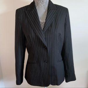 Pin striped detailed blazer jacket